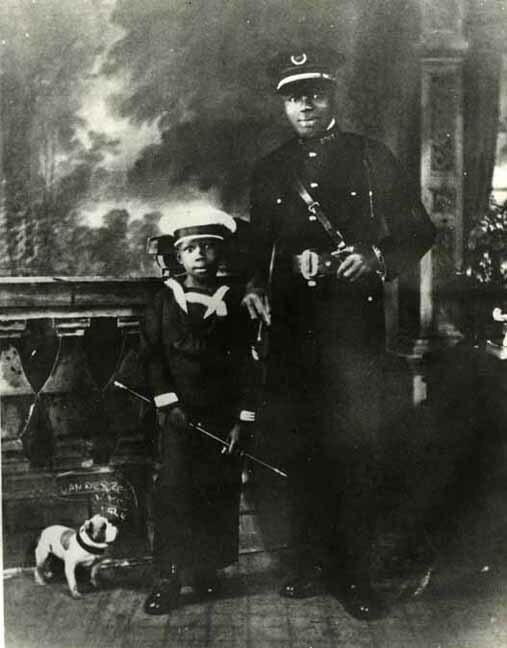 http://nlj.gov.jm/Digital-Images/d_0001919_garveyites_newyork_1924.jpg