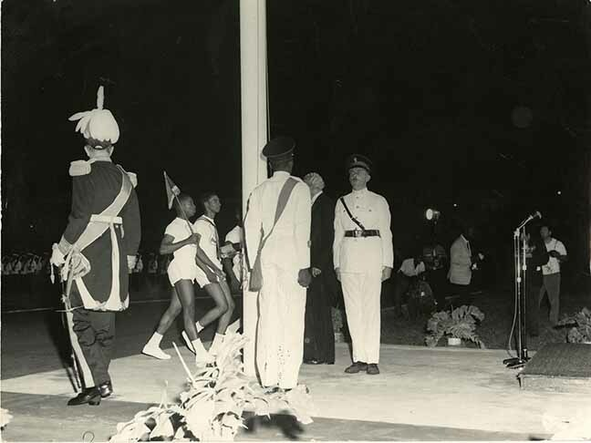 http://nlj.gov.jm/Digital-Images/d_0003655_flag_raising_cerem_1962.jpg