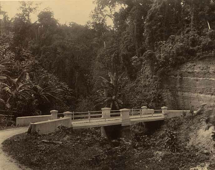 http://nlj.gov.jm/Digital-Images/d_0003949_mulatto_river_bridge.jpg