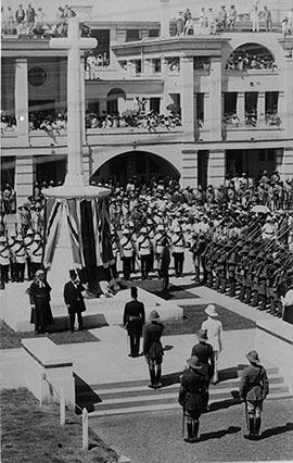 d_0007850_unveiling_cenotaph_church_st_1923_3.jpg