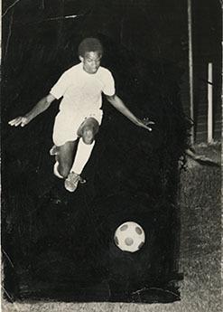 d_0006046_david_burgess_playing_football.jpg