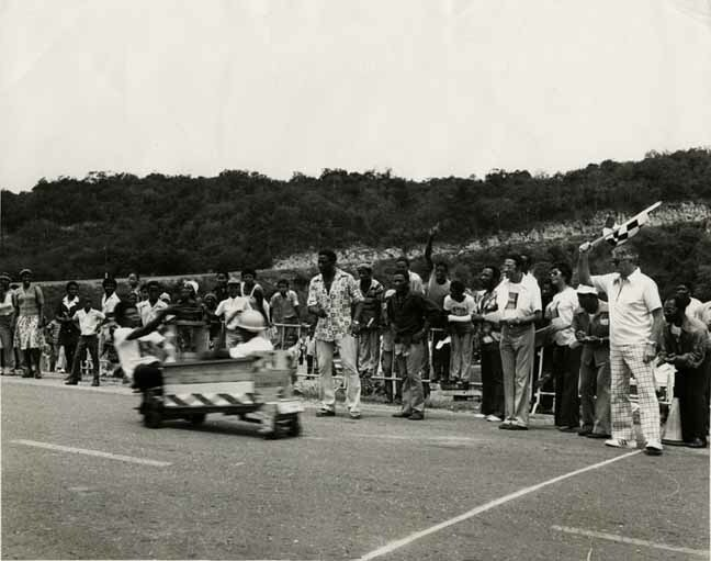 http://nlj.gov.jm/Digital-Images/d_0001897_push_cart_derby.jpg