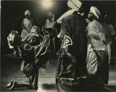 d_0006861_traditional_dance.jpg