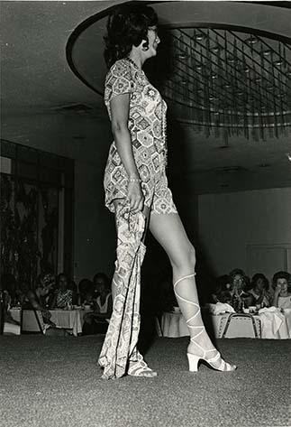 http://nlj.gov.jm/Digital-Images/d_0003532_fashion4.jpg