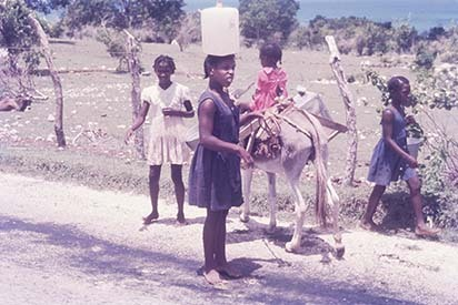d_0006936_fetching_water_bluefields_westmoreland_1969.jpg