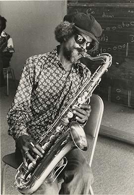 d_0006632_saxophone_player.jpg