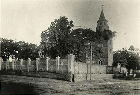http://nlj.gov.jm/Digital-Images/d_0002840_parish_church_kng2.jpg