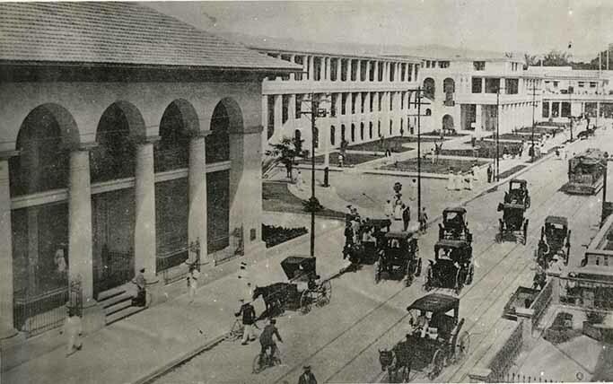 http://nlj.gov.jm/Digital-Images/d_0002649_west_side_lower_king_1910.jpg