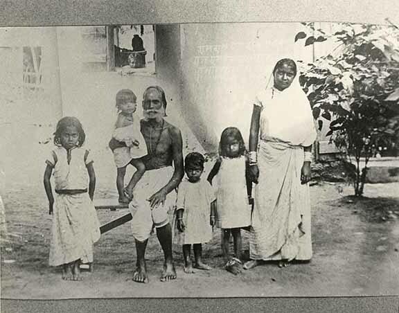 http://nlj.gov.jm/Digital-Images/d_0003818_east_indian_1896.jpg