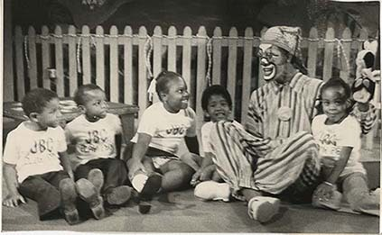 d_0005147_children_on_television.jpg