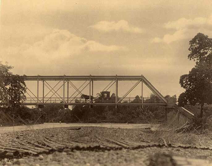 http://nlj.gov.jm/Digital-Images/d_0003958_plantain_garden_bridge.jpg