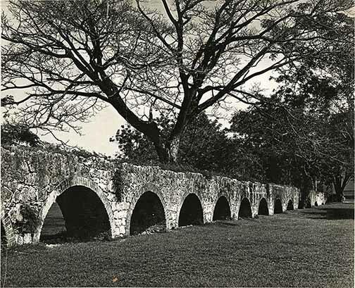 http://nlj.gov.jm/Digital-Images/d_0004058_mona_aqueduct.jpg