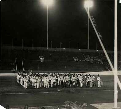 d_0002381_massed_bands_stadium_flag.jpg