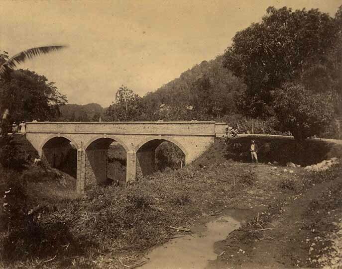 http://nlj.gov.jm/Digital-Images/d_0003938_hectors_river_bridge.jpg