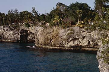 d_0007311_west_end_negril_cliffs_caves_development_2.jpg