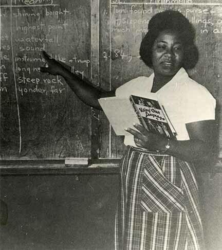 http://nlj.gov.jm/Digital-Images/d_0003785_teacher_class.jpg