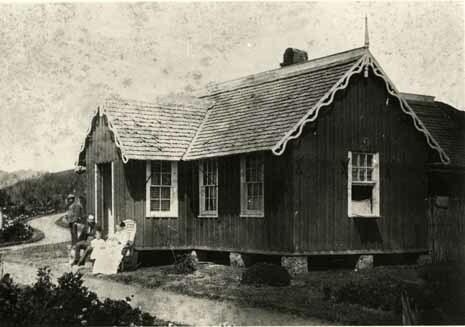http://nlj.gov.jm/Digital-Images/d_0001891_cinchona_great_house.jpg