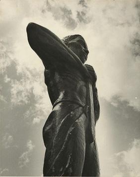 d_0006925_paul_bogle_statue.jpg