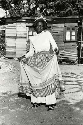 http://nlj.gov.jm/Digital-Images/d_0003561_kumina_queen_queenie.jpg