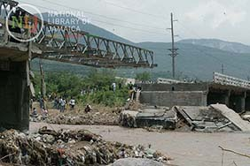 d_0004380_damage_hope_river_bridge_st_andrew.JPG