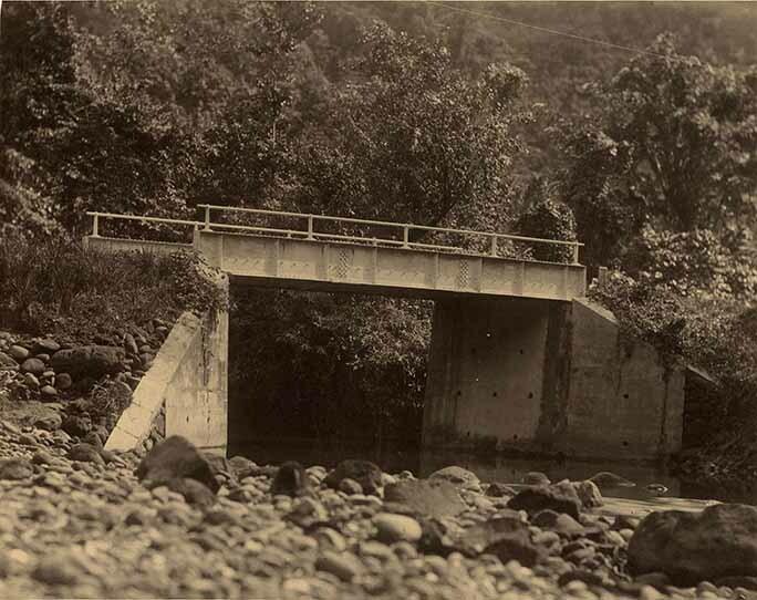 http://nlj.gov.jm/Digital-Images/d_0003950_negro_river_bridge.jpg