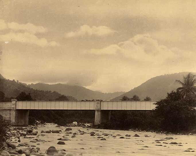 http://nlj.gov.jm/Digital-Images/d_0003931_buffbay_river_bridge.jpg
