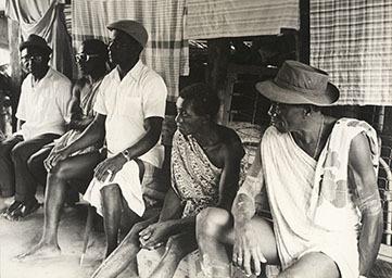 d_0006956_guyanese_elders_discussion.jpg