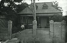 http://nlj.gov.jm/Digital-Images/d_0003708_frame_house_un.jpg