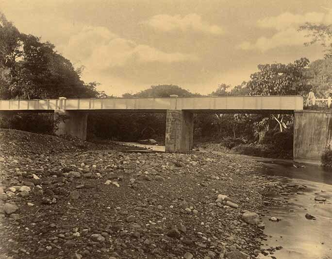http://nlj.gov.jm/Digital-Images/d_0003933_devils_river_bridge.jpg