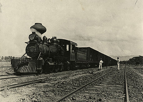 d_0007803_train_through_bernard_lodge.jpg