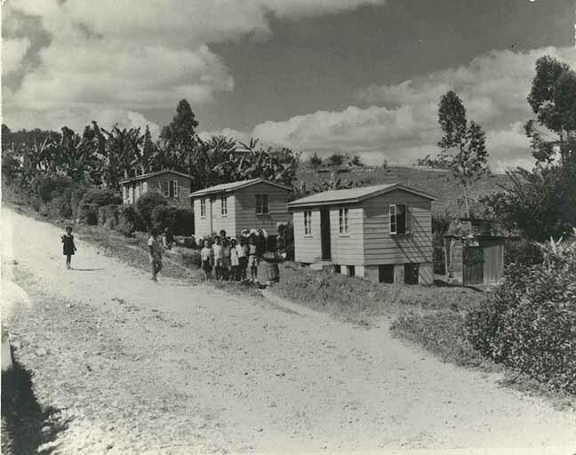 http://nlj.gov.jm/Digital-Images/d_0003666_rural_housing_scheme.jpg
