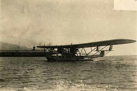 http://nlj.gov.jm/Digital-Images/d_0002758_fremantle_plane_inaugurate.jpg