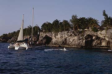 d_0007312_west_end_negril_cliffs_caves_development.jpg