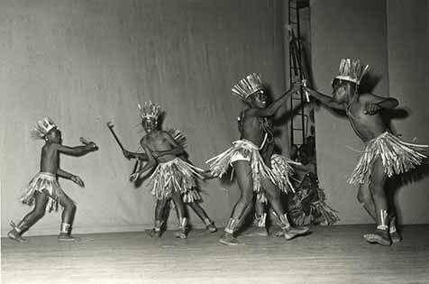 http://nlj.gov.jm/Digital-Images/d_0003929_war_dance_mile.jpg