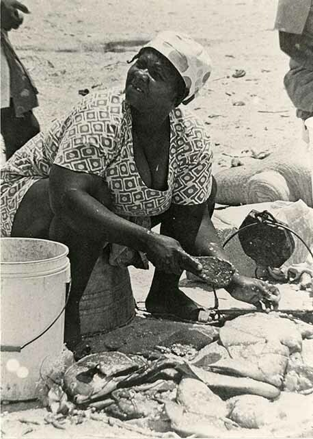 http://nlj.gov.jm/Digital-Images/d_0003540_fish_vendor.jpg