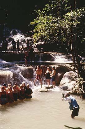 d_0006597_dunns_river_falls_tourists_guide.jpg
