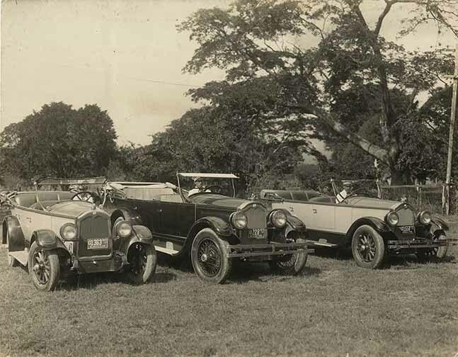 http://nlj.gov.jm/Digital-Images/d_0004015_cars_parked_lawn.jpg