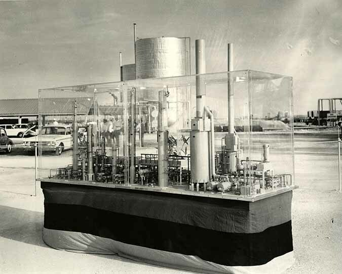 http://nlj.gov.jm/Digital-Images/d_0003883_esso_refinery_model.jpg