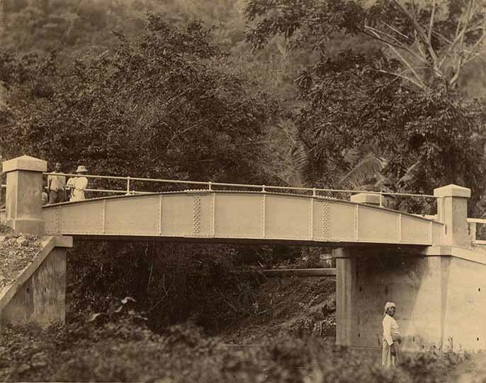 http://nlj.gov.jm/Digital-Images/d_0003932_clarkes_river_bridge.jpg
