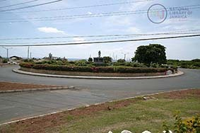 d_0004387_harbour_view_roundabout.JPG