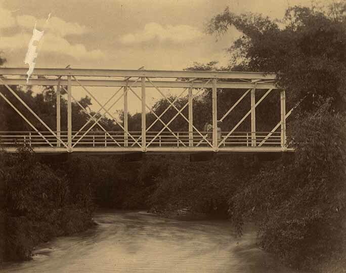 http://nlj.gov.jm/Digital-Images/d_0003960_plantain_garden_bridge2.jpg