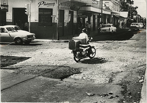 d_0006372_deplorable_road_orange_charles_streets.jpg