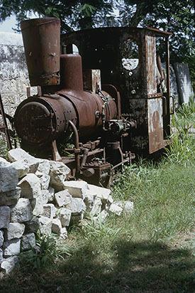d_0006971_green_park_great_house_trelawny_locomotive_1970.jpg