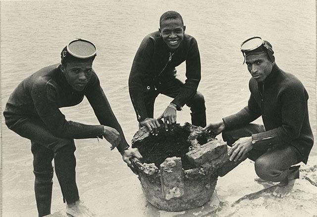d_0004718_divers_port_royal during_1969_excavation.jpg