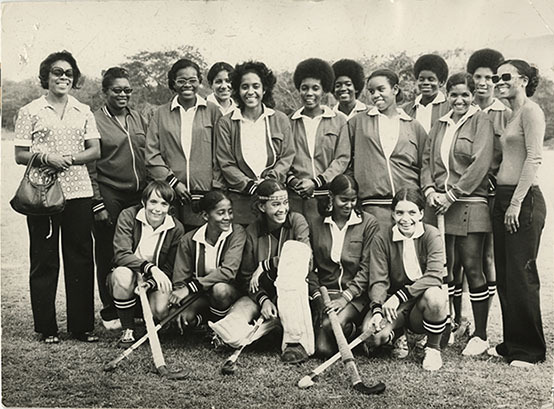 d_0004965_trinidad_schoolgirls_hockey_team.jpg