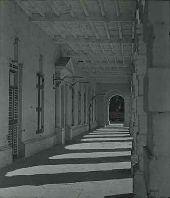d_0005807_slide_4_old_house_assembly_spanish_town_arcade.jpg
