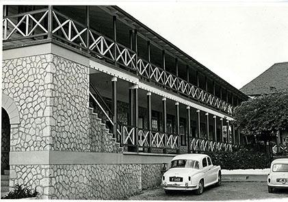 d_0007381_hampton_school_1967.jpg