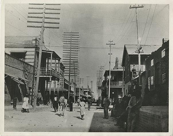 d_0004975_harbour_street_late_19th_century.jpg