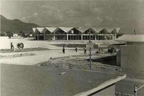 http://nlj.gov.jm/Digital-Images/d_0001954_harbour_view_shop_centre.jpg