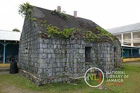 d_0004488_old_building_titchfield_high.JPG
